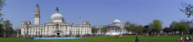 Cardiff_city_hall_pano